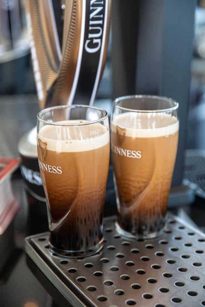 Bier drinken in Dublin