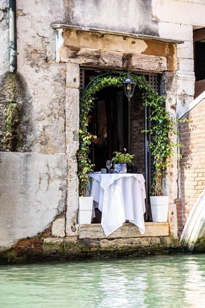 Romantisch tafeltje